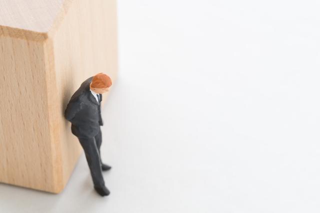 休職期間満了を理由に従業員を退職扱いあるいは解雇する時に絶対におさえておくべき注意点