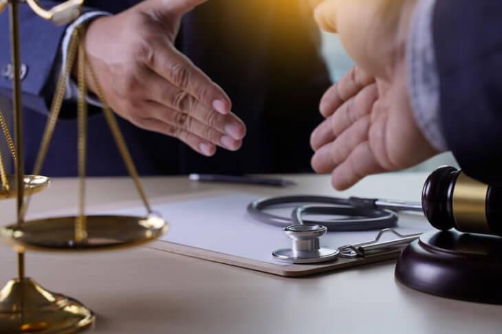 病院・クリニック・医療法人の顧問弁護士