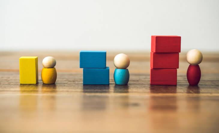 スクイーズアウトとは?進め方や具体的な方法3つを解説。